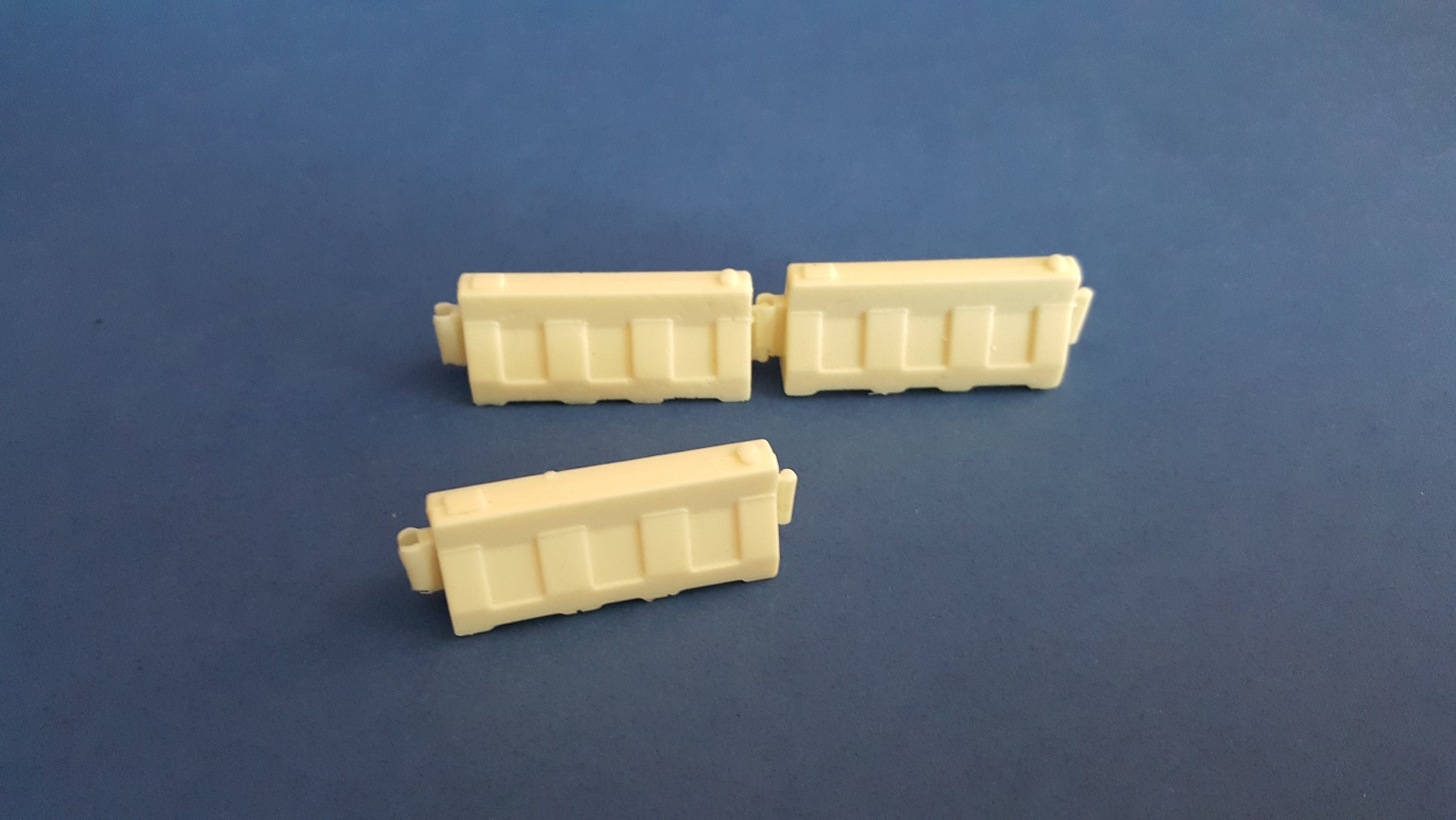 1/35 Water Barrier (3 Pieces)