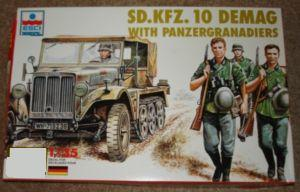 ESCI 1/35 Model German IIWW Sd.Kfz.10 Demag with Panzer Grenadiers